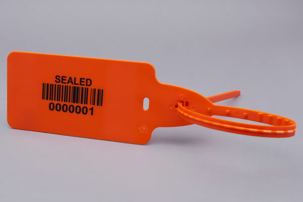 GP586 – Plastic big flag seal with an extra large marking area